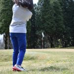 ゴルフ、アプローチショット、短い